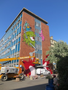 Reaching the end of the experimentation, a street art festival is organised at les Grand Voisins.